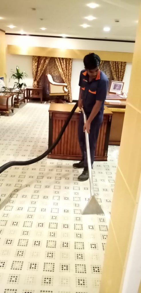 carpet cleaning abu dhabi shampooing vacuuming